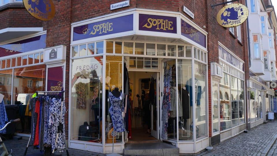 Sophies Tøjhus' butik